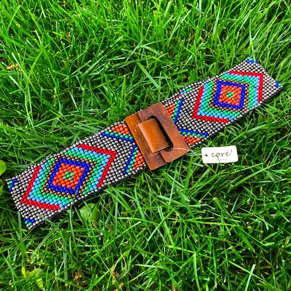 Stretch beaded belt